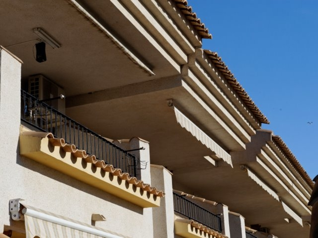 4,964 property sales in Andalucía during July