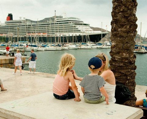 New cruise liner terminal for port of Barcelona