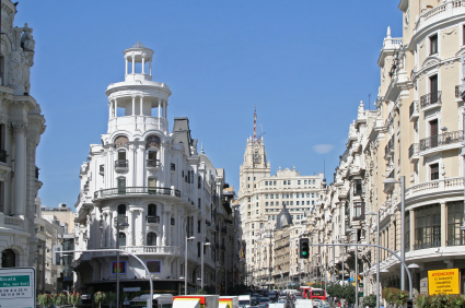 Madrid government cuts property prices in bid to raise cash