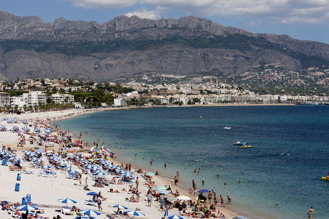 Brits continue to lead foreign tourist boom in Spain
