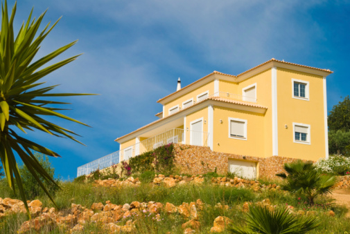 Notaries report spectacular increase in Spanish property sales