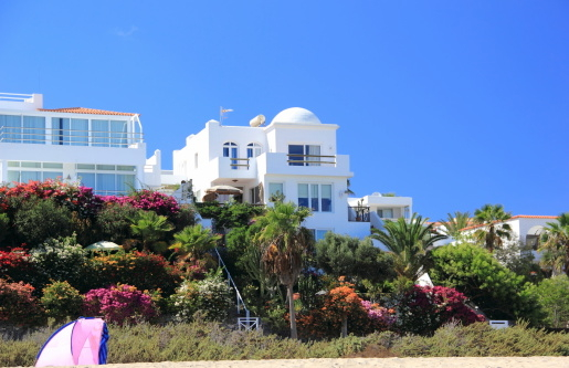 Spanish coastal property markets still heavily dependent on foreign buyers