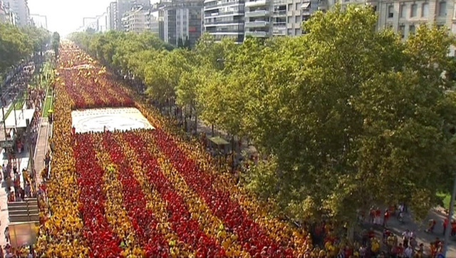 Catalan nationalists celebrate the Diada as proposed referendum date approaches