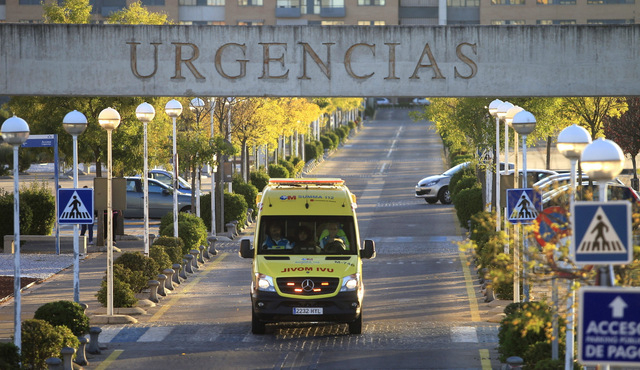 Madrid nurse contracts ebola after nursing infected priest in hospital
