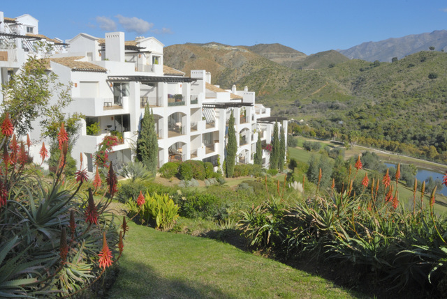 Spanish property sales figures suffer slight fall in August