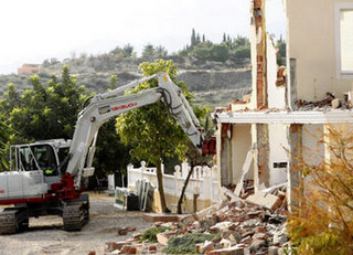 Andalucía begins reforms to regularize 25,000 illegally built properties