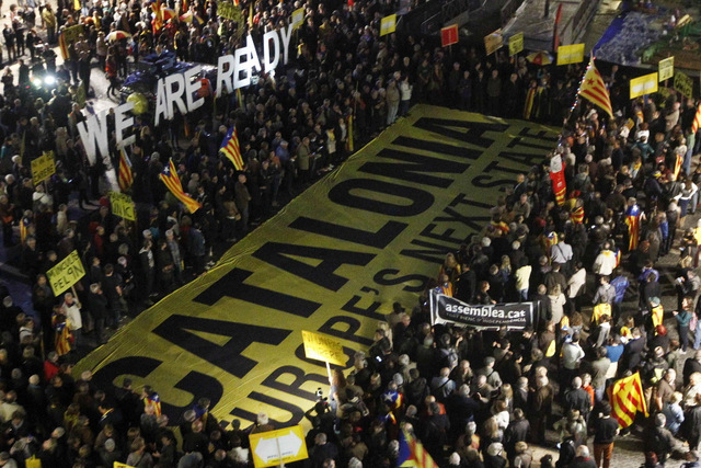 Catalán separatists rejoin battle to demand an independence vote