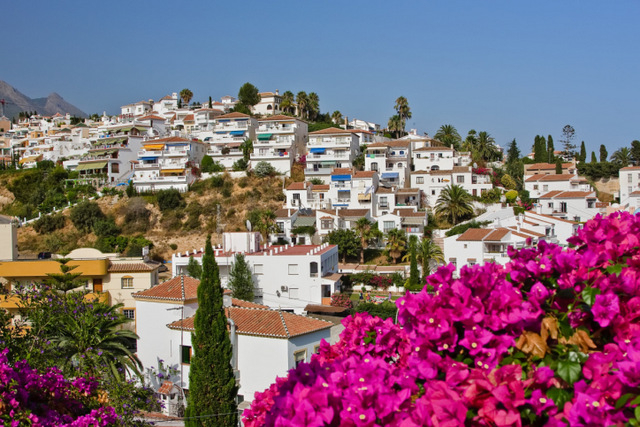 Foreign buyers continue to take a greater share of the Spanish property market