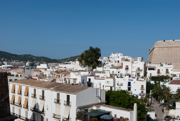 Who are the 61,000 foreigners who bought property in Spain last year?