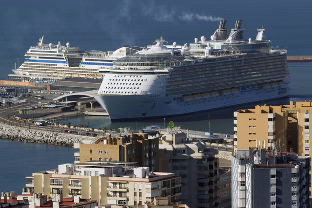 Málaga hosts a visit from the largest cruise ship in the world