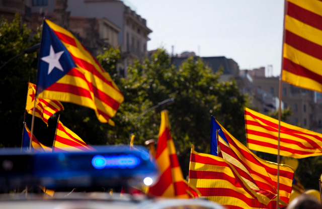 Catalunya election campaigns eclipsed by flag fever