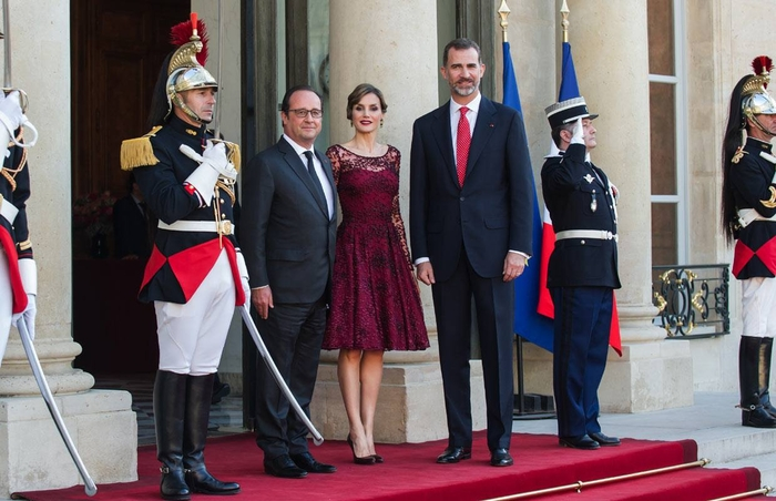 King of Spain given full honours on official visit to France