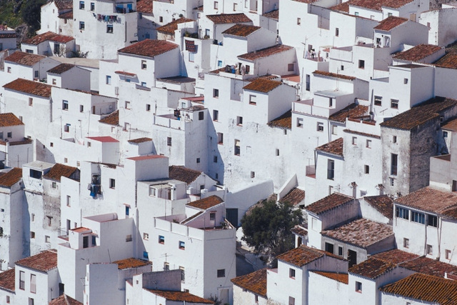 Spanish bad bank hurries to sell off bargain properties