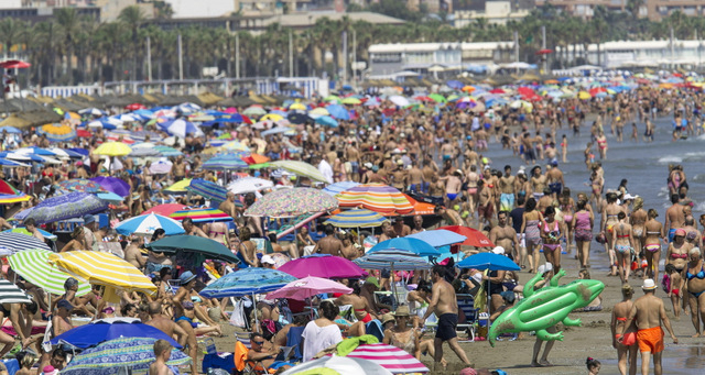Foreign tourists spent 37 billion euros in Spain between January and July