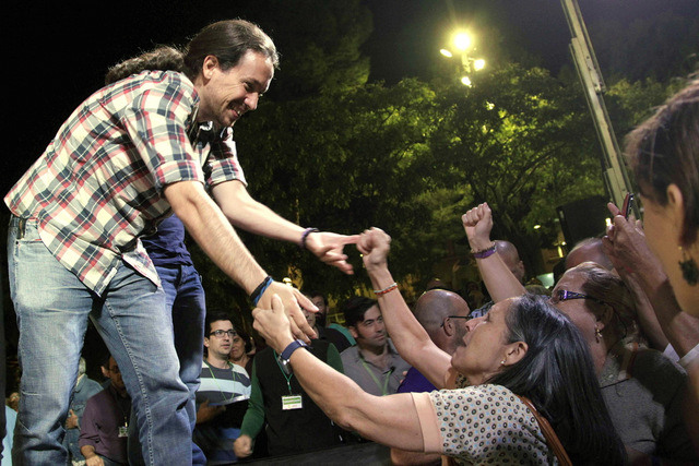 Podemos leader urges Catalans to help him change Spanish government