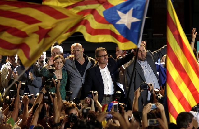Catalan independence parties win control of regional parliament in regional elections