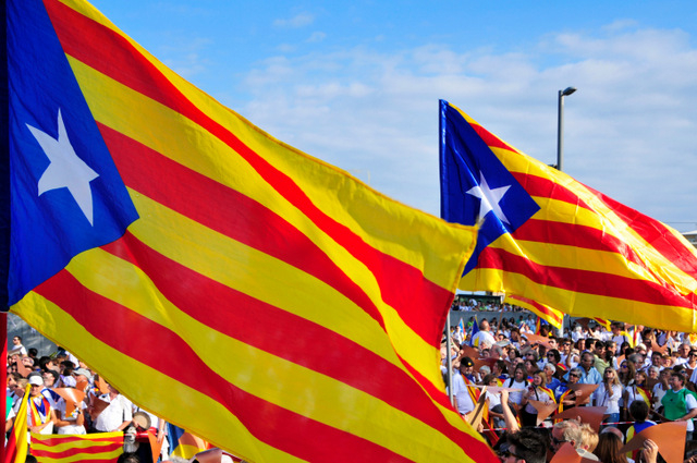 Barca fight UEFA fine for fans displaying Catalan Independence flags during Champions League