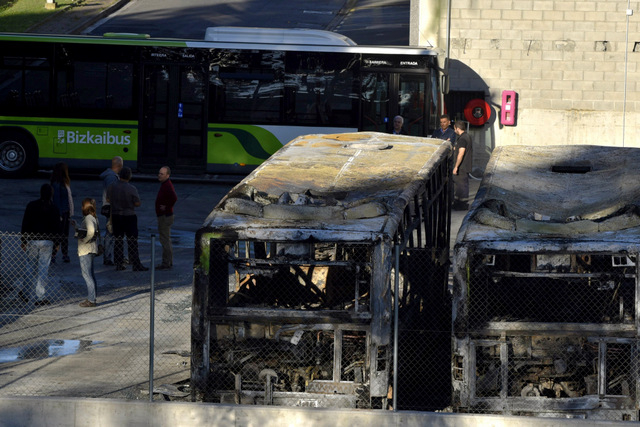 Eight Vizcaya buses burnt in support of ETA terrorist suffering from AIDS