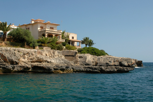 Spanish properties for sale concentrated on the Mediterranean coastline