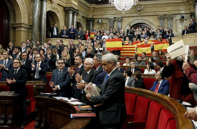 Spanish government responds swiftly to Catalan independence motion