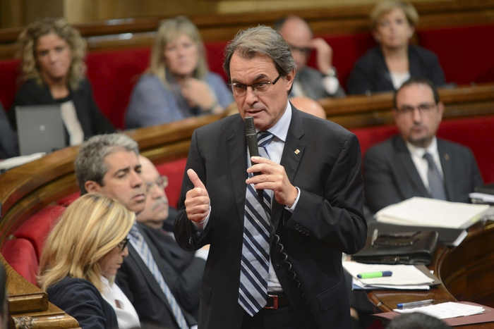 Artur Mas fails in his first bid to be invested as president of Catalunya