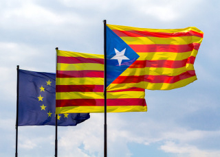 Spanish flags still causing resentment at Town Halls in Catalunya