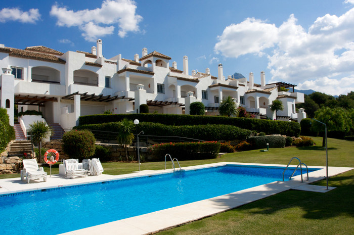 Spanish property valuations confirm timid rise in market price
