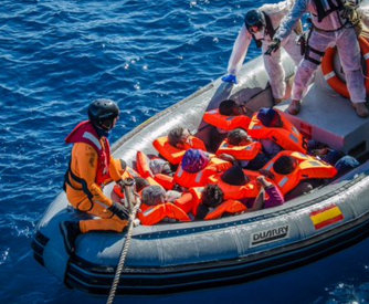 Spanish frigate rescues 113 immigrants off the Libyan coast