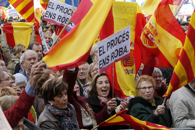 Barcelona marchers protest against independence