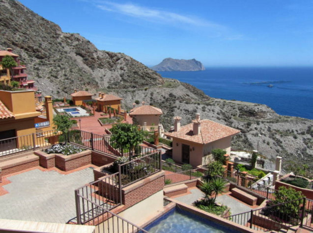 One seventh of Spanish property sales were to non-Spaniards last year