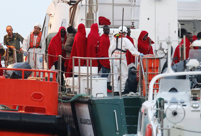 90 immigrants intercepted on their way to Andalucia and Gran Canaria