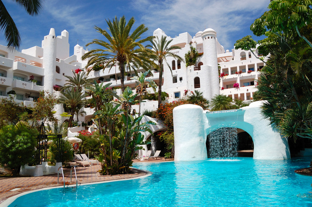 Increased tourism boosts investment in Spanish hotels
