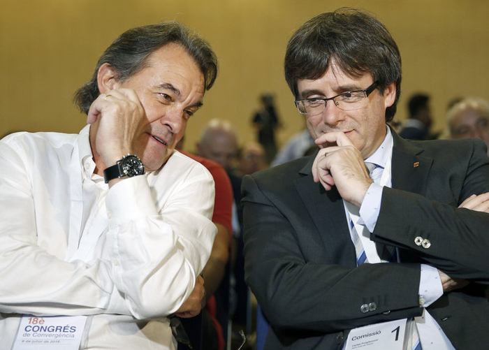 Catalan politics shaken up by re-foundation of leading party