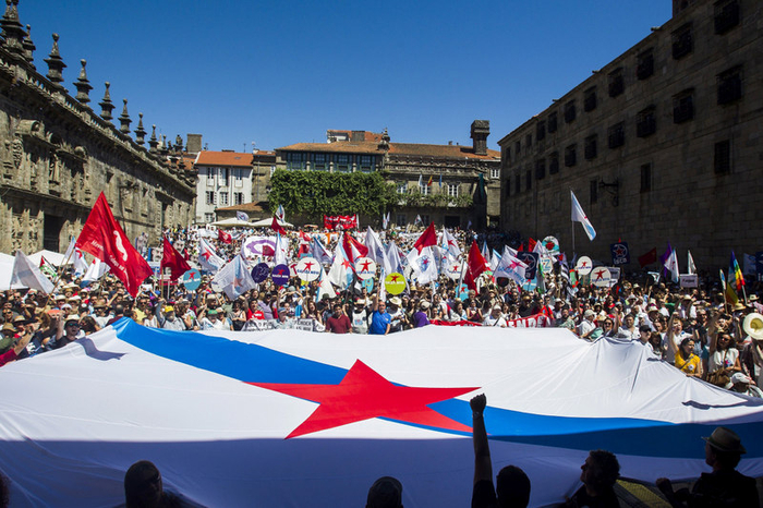 Galicia nationalists agree to disagree at Santiago Feast Day rallies