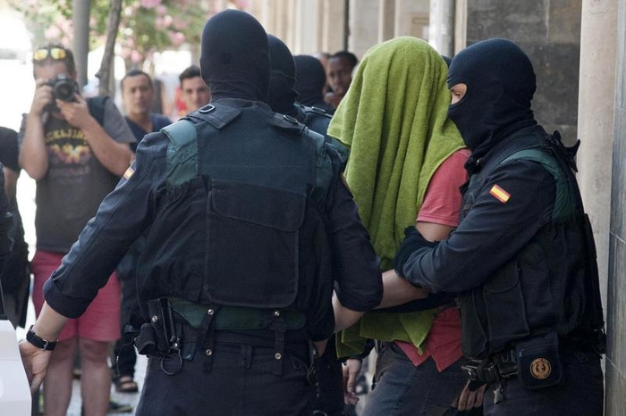 Spanish police arrest two Moroccans accused of funding Islamic State