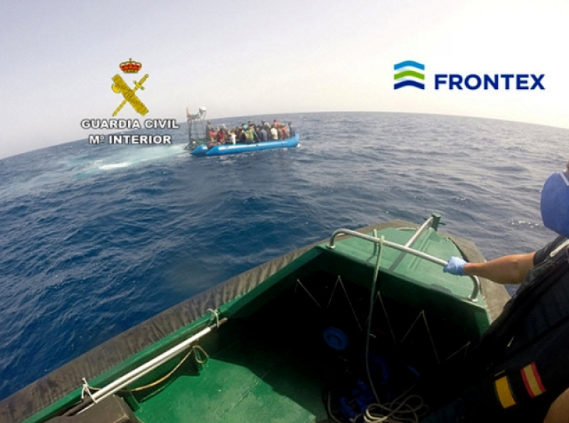 50 illegal immigrants detained off the Almería coast
