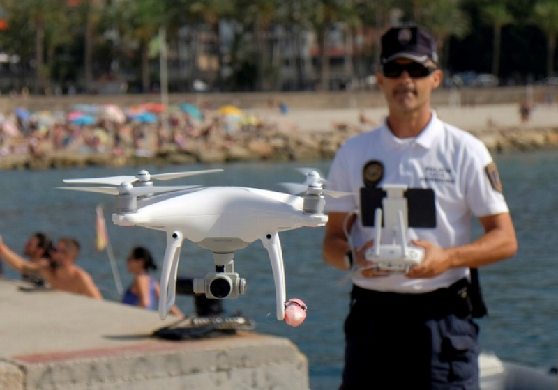 Spanish police trial drones to oversee beach security