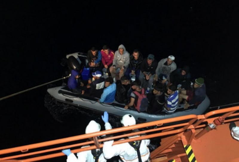 August ends with another 65 immigrants brought ashore in Almeria