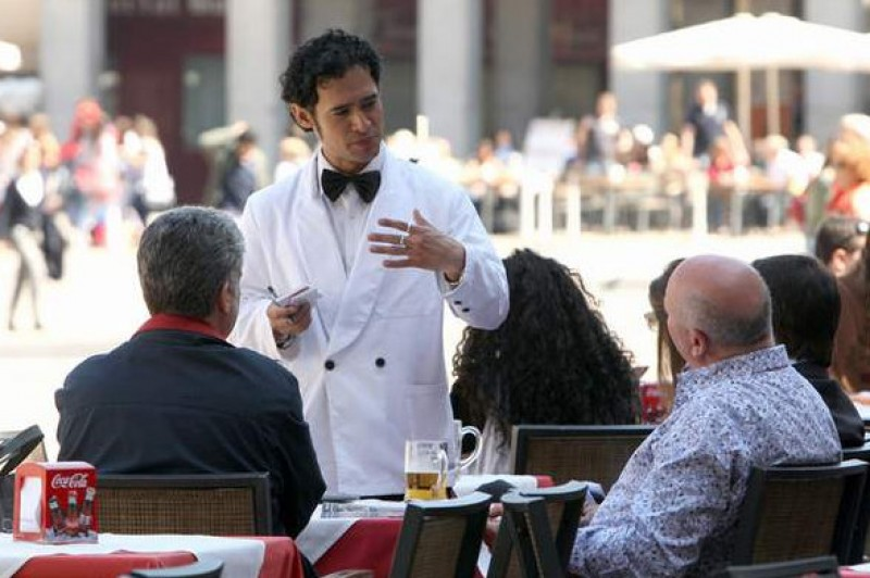 Unemployment in Spain down by over 9 per cent in the last year