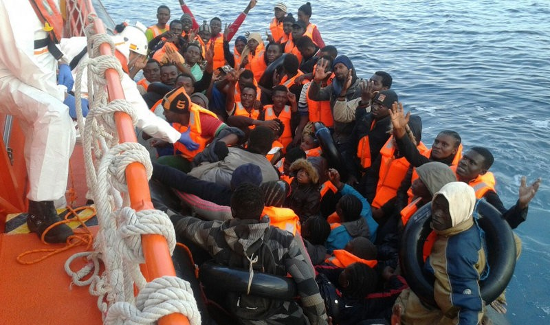 Six more immigrant boats rescued off Andalucia and Murcia on Thursday