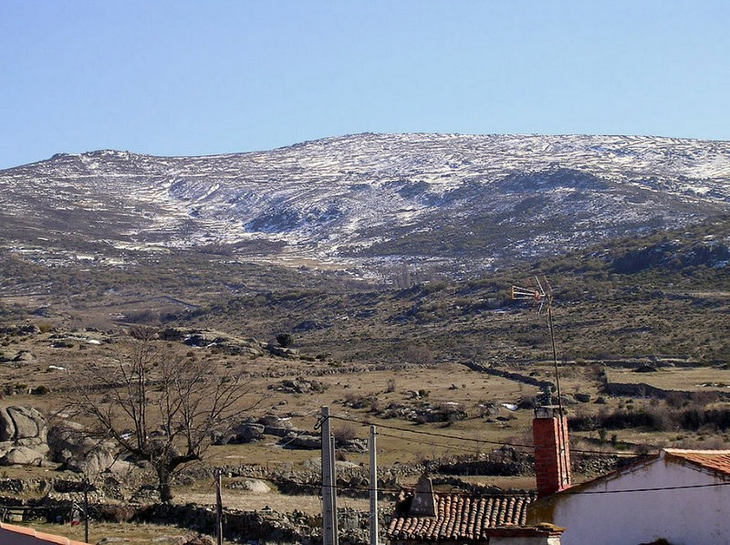 Avila villages under threat from open-cast feldspar mine