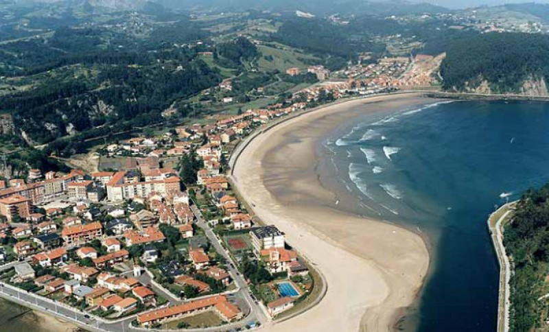 Top surfer dies at Asturias beach