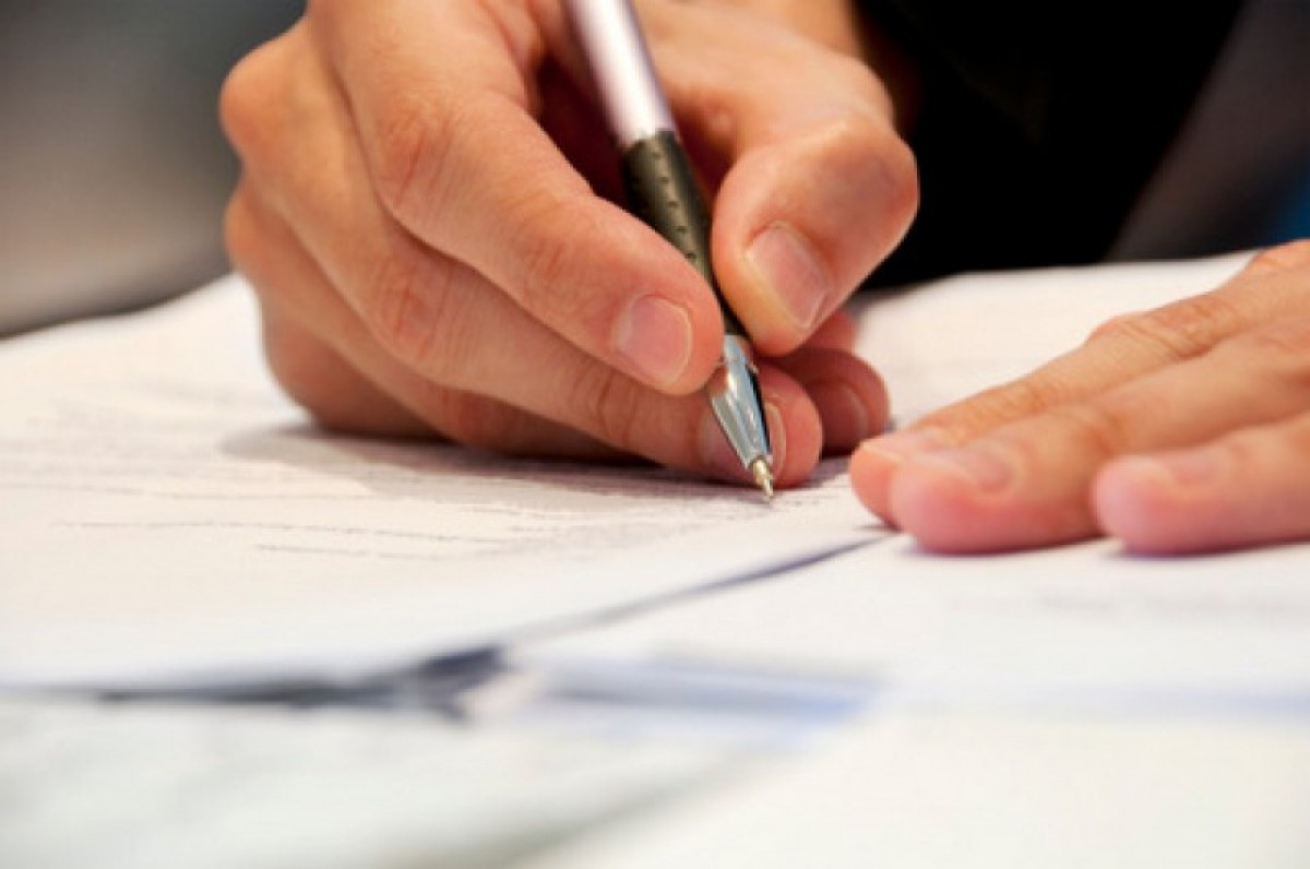 Basques rush to write children out of wills