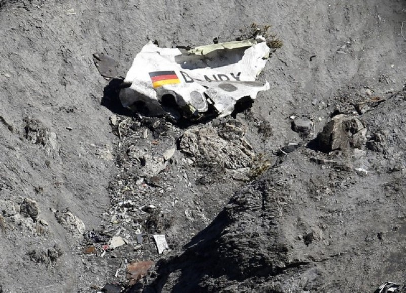 German prosecutors rule that Lubitz has sole responsibility for Germanwings crash