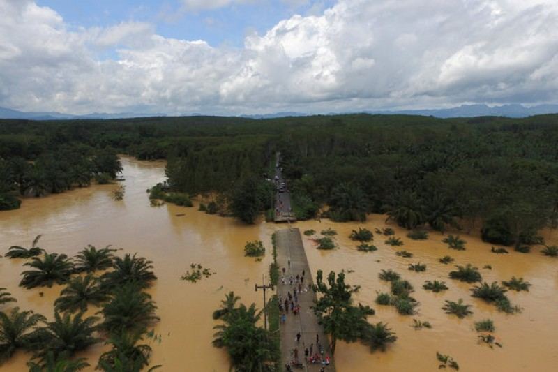 Death toll rises to 25 in Thai floods