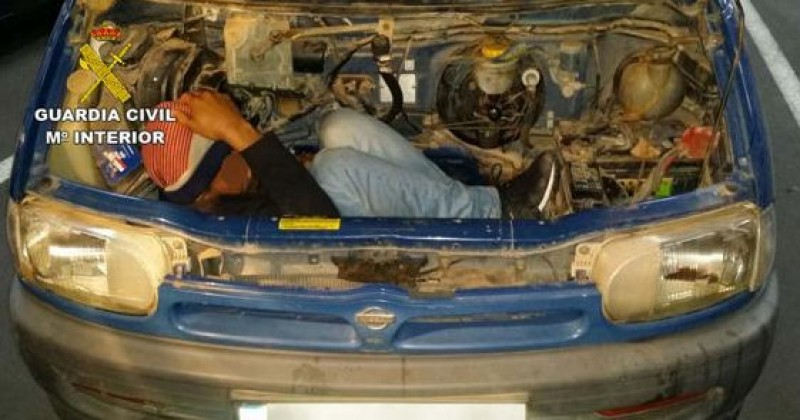 Stowaway immigrant found in engine compartment in Almeria