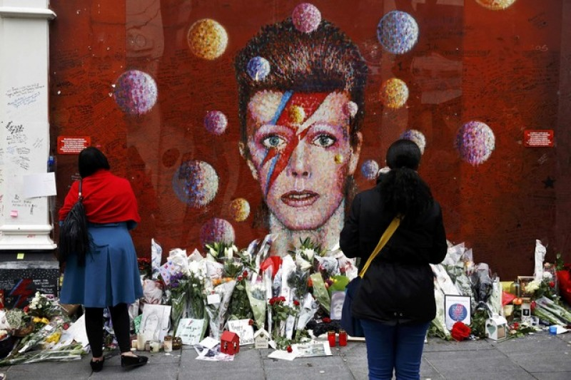 New David Bowie EP marks first anniversary of death & 70th birthday