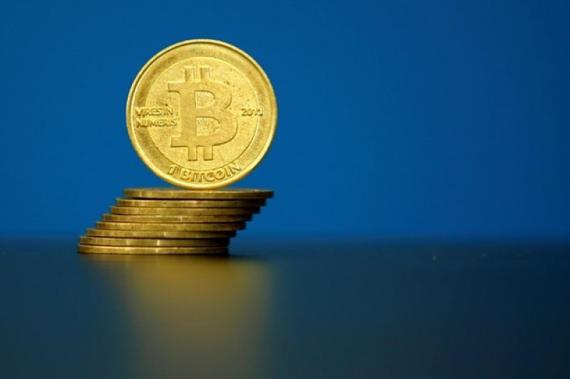 Anti-establishment wave to help push bitcoin technology into real world