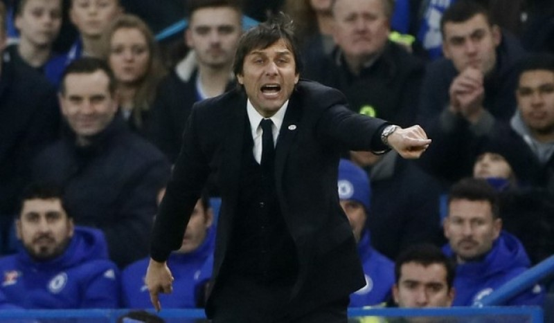 Conte favoured for hat-trick over Ranieri