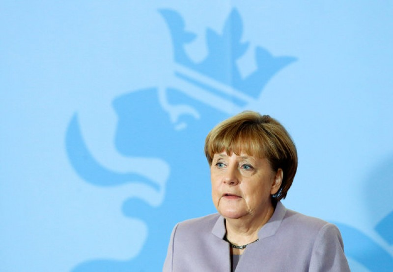 Merkel says EU 27 must show united front in Brexit talks